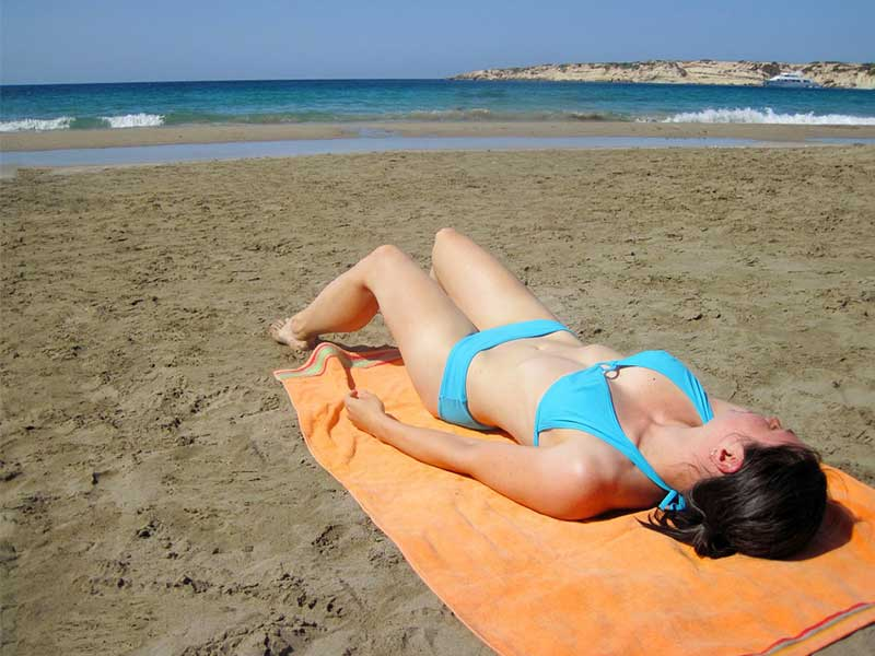 Kako sunčanje utiče na našu kožu?