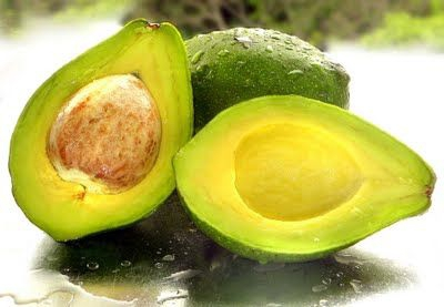 Namirnice koje nas i hrane i neguju - avokado, badem i grožđe